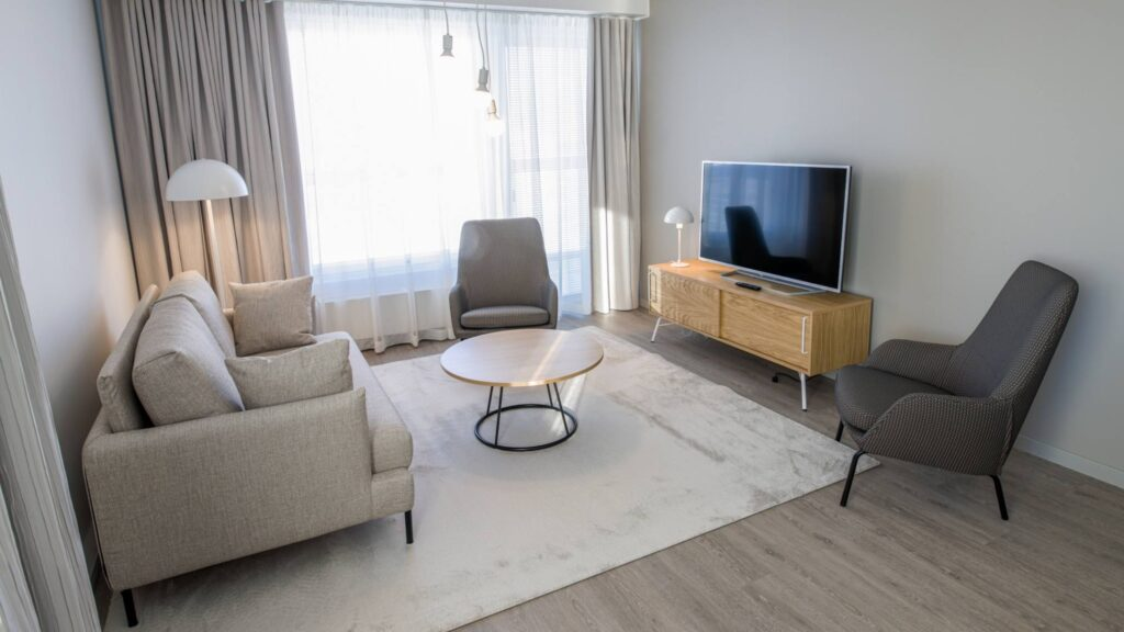 Hotel Mattsin viihtyisät huoneistot ovat saatavilla niin lyhyt- kuin pitkäaikaismajoitukseen Espoossa.