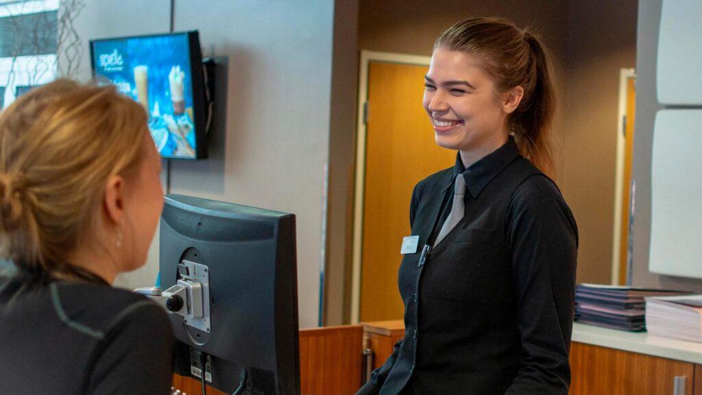 Hotel Mattsin palveluihin kuuluu mm. vastaanottopalvelut vuorokauden ympäri.