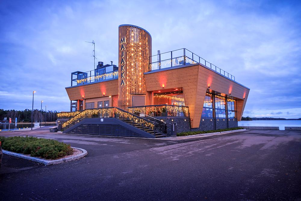 Nokkalan Majakka tarjoaa makuelämyksiä ja upean merimaiseman Espoon Nokkalanniemessä.