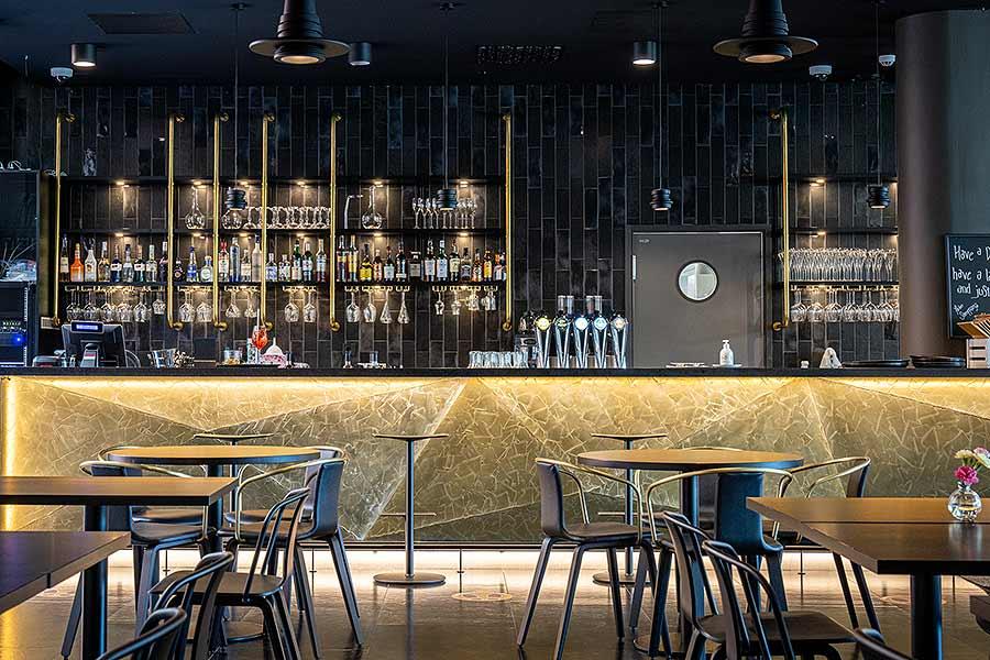 Frejan baari Hotel Mattsin katutasossa Espoon Matinkylässä.